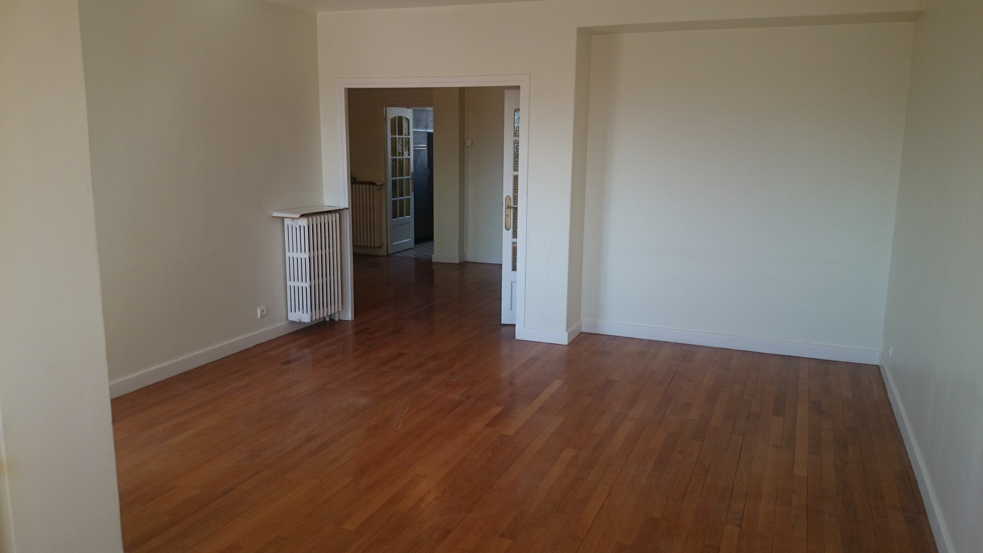 Location t4 avec garage sur valence location agence for Garage ad valence