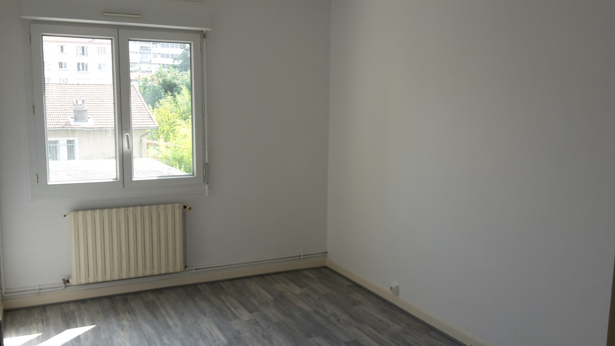 Location t4 avec 3 chambres quartier montplaisir location for Agence immobiliere valence