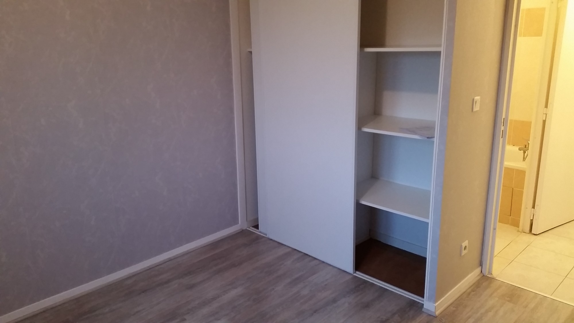 Location t2 guilherand granges en dernier etage avec parking location agence immobili re - Appartement guilherand granges ...