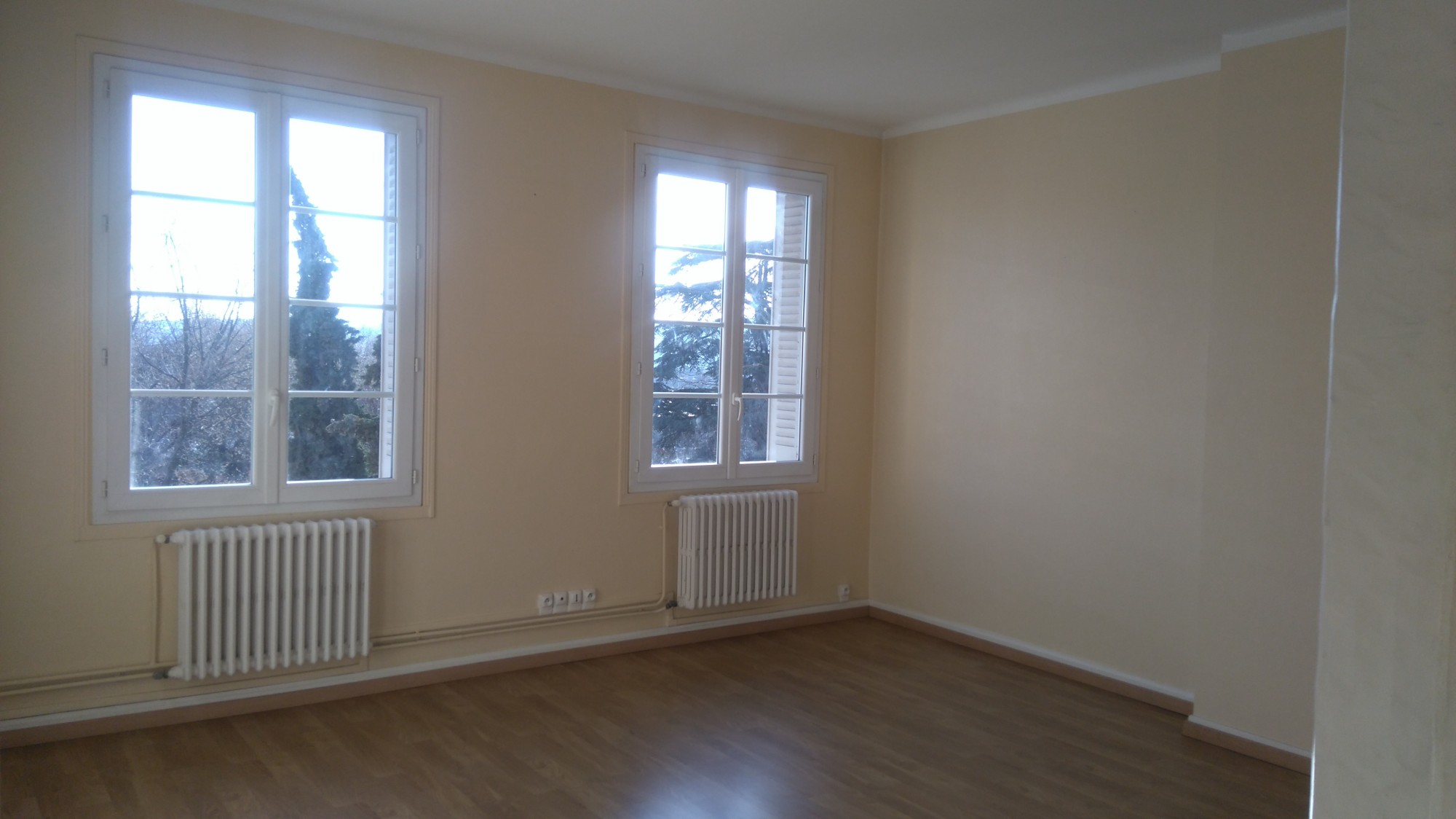 Location valence hyper centre appartement 3 chambres avec for Location appartement sans agence immobiliere