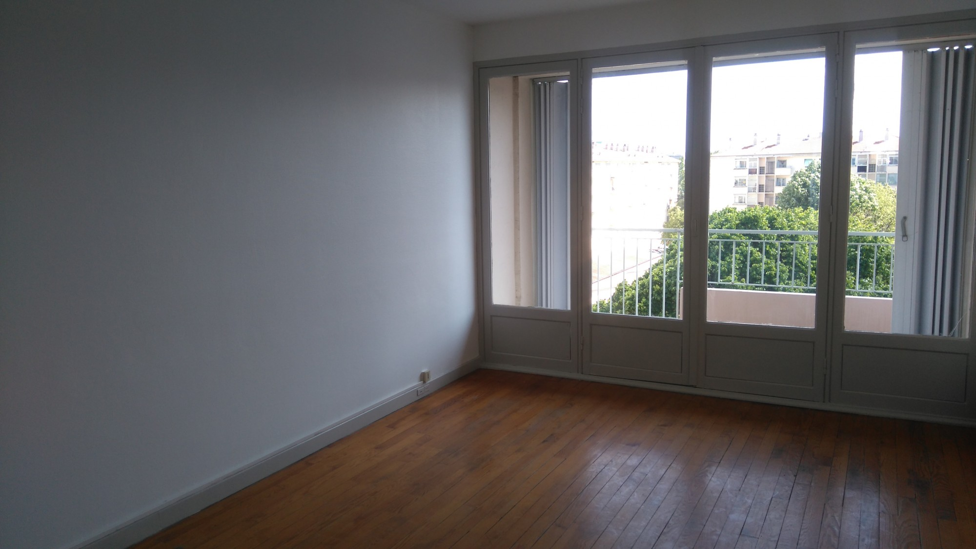 Valence location appartement t3 a chateauvert location agence immobili re valence cabinet - Location appartement meuble valence ...