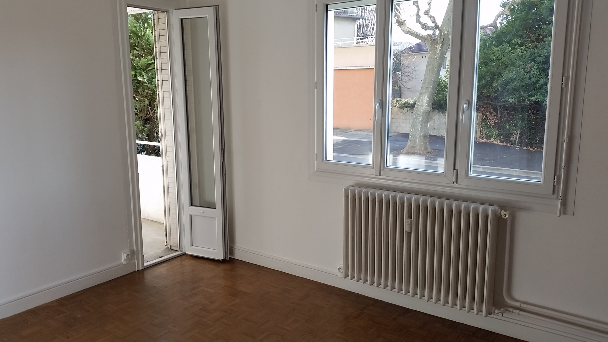 Appartement 2 chambres louer sur chateauvert valence for Agence immobiliere valence