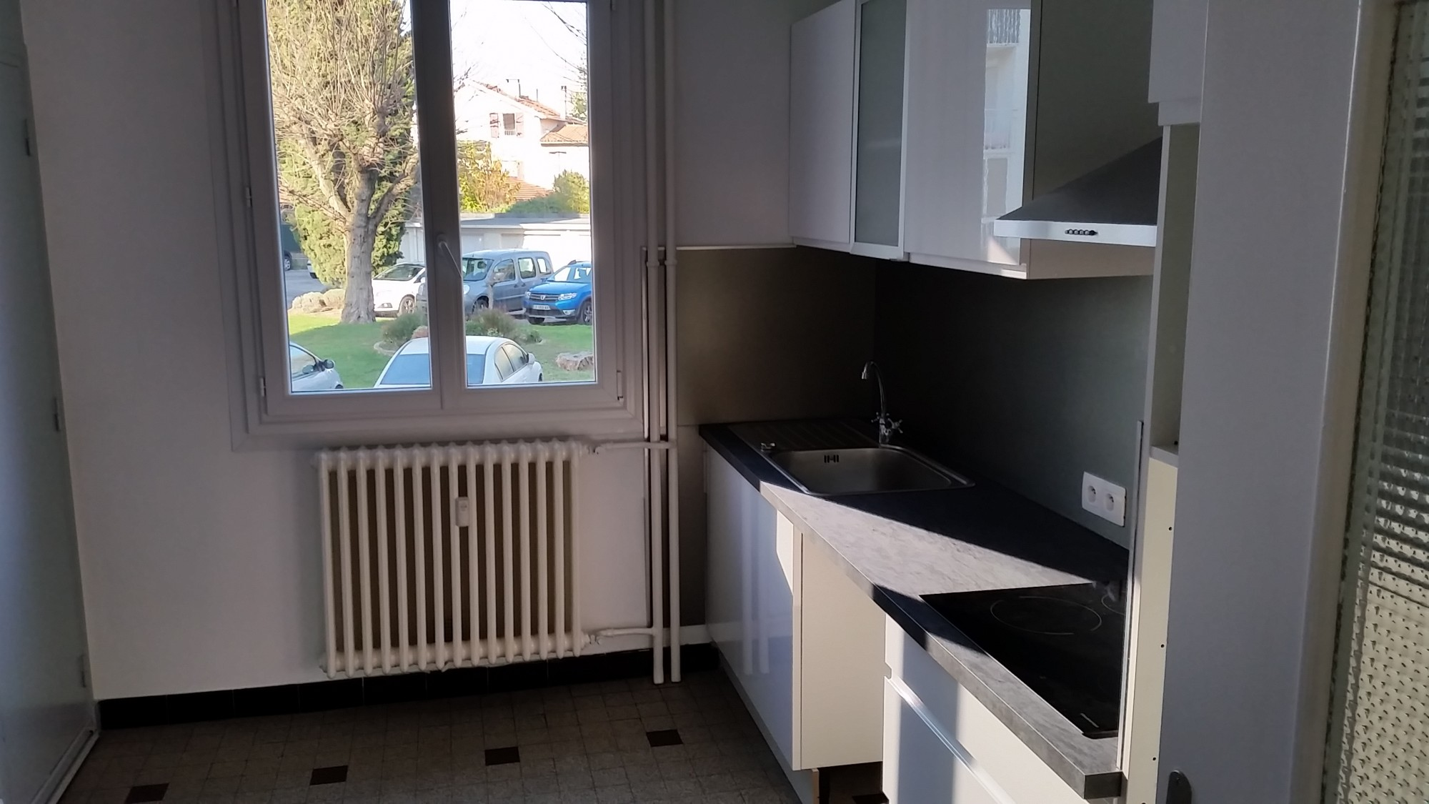 Appartement 2 chambres louer sur chateauvert valence avec garage location agence - Location appartement meuble valence ...