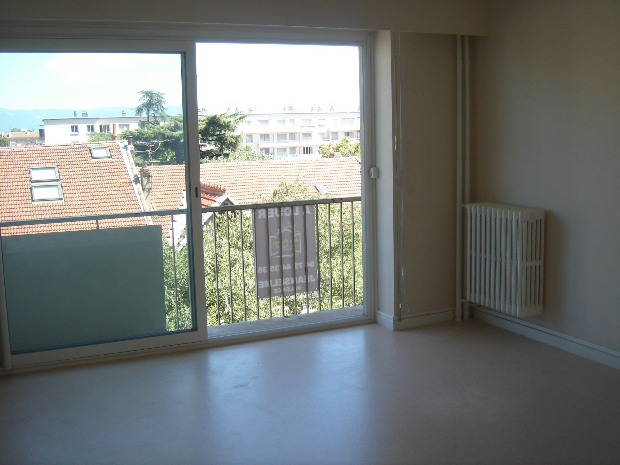 Appartement en location sur valence victor hugo t4 avec for Agence immobiliere valence