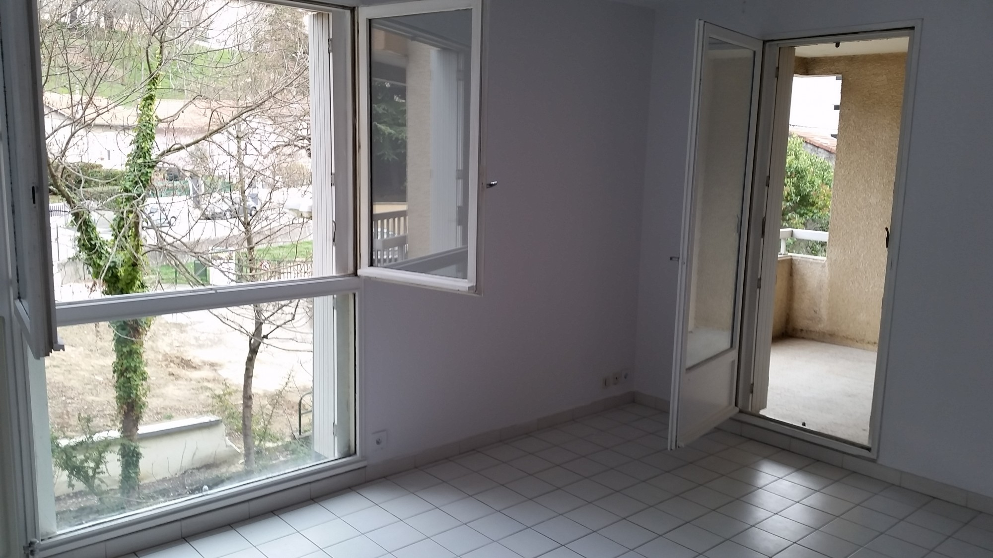 Valence location appartement grand charran avec balcon et ascenseur location agence - Location appartement meuble valence ...