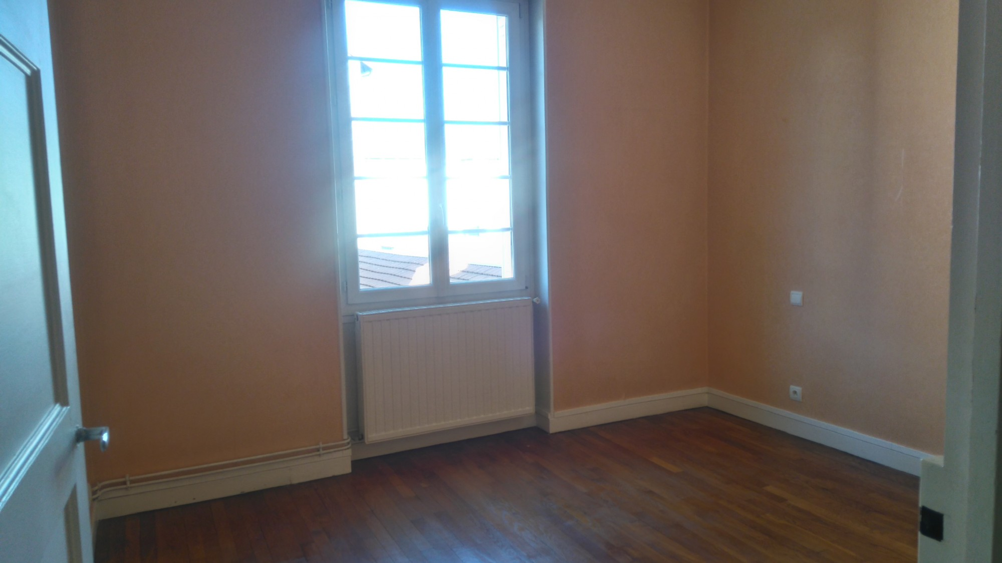 Location appartement t3 renove plein centre valence for Louer appartement agence immobiliere