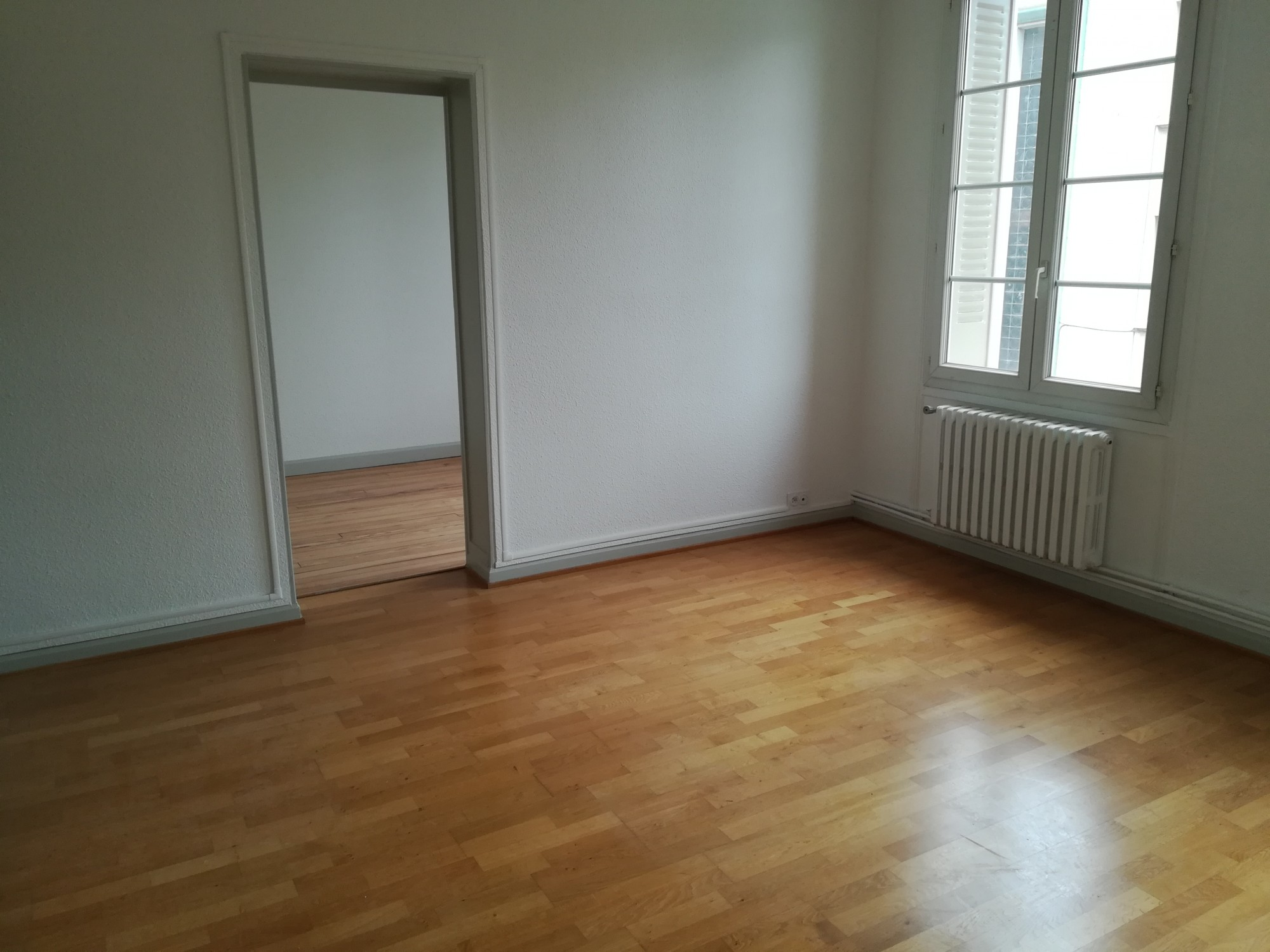 VALENCE CENTRE LOCATION APPARTEMENT T4 RENOVE
