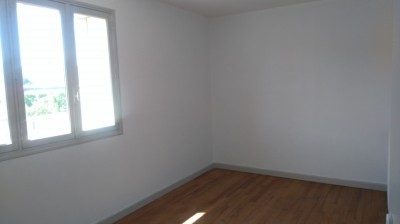 VALENCE LOCATION APPARTEMENT T3 A CHATEAUVERT