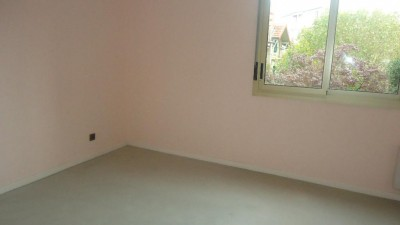 VALENCE LOCATION APPARTEMENT 2 CHBR AVEC TERRASSE ASCENSEUR ET PARKING PRIVE