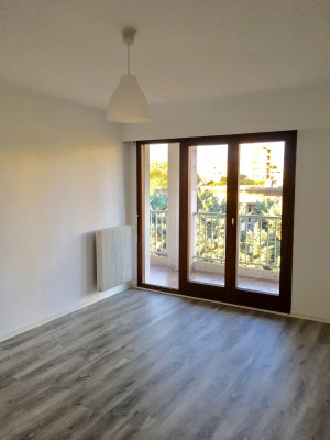 LOCATION APPART A BOURG LES VALENCE PROCHE LYCEE